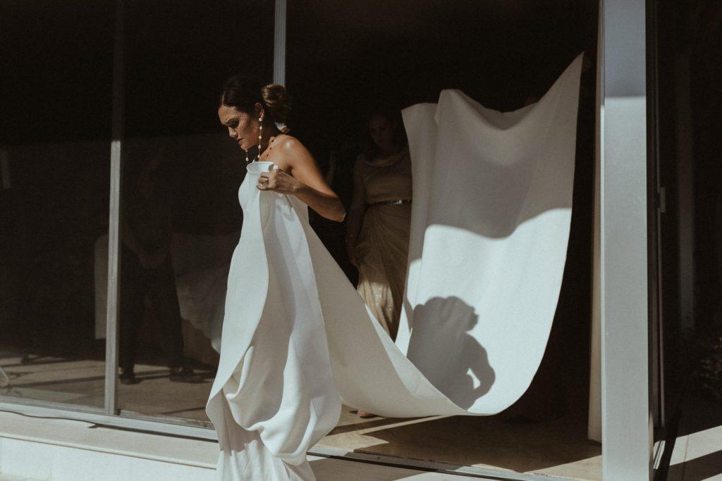 Шлейф на свадебном платье: за и против